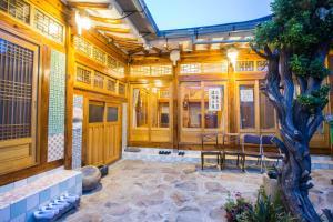 亚加旅馆 (Aega Hanok Guesthouse)