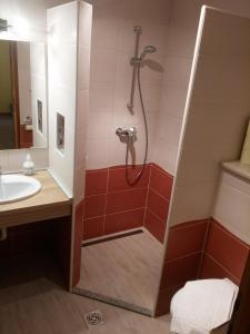 Ciklámen apartman, Apartmanok  Gyenesdiás - big - 4