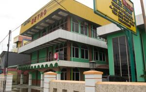 (Hotel Metro Banjarmasin)