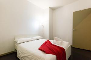 Megan - Beyond a Room Private Apartments - Melbourne CBD, Victoria, Australia