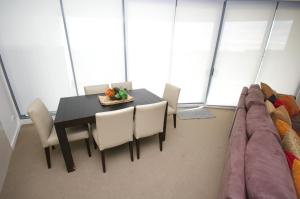 Castle Hill Self-Contained Modern Three-Bedroom Apartment (503 PEN)