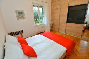 Apartment Josip