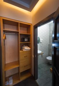 Beehive Hotel, Hotels  Odessa - big - 7