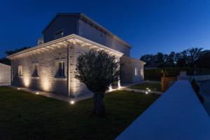 Villa Gregi, Villas  Tinjan - big - 7