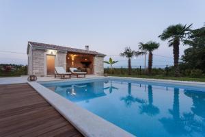 Villa Gregi, Vily  Tinjan - big - 24