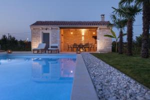 Villa Gregi, Vily  Tinjan - big - 35