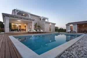 Villa Gregi, Vily  Tinjan - big - 18