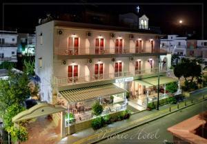 Marie Hotel