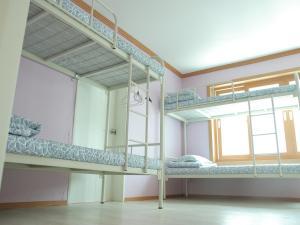 Top floor lounge 2