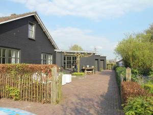 Holiday Home Buiten Leven