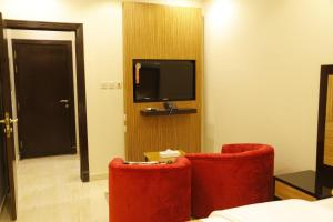 Mada Suites, Aparthotels  Riad - big - 4