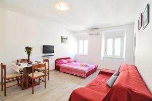 Studio Hana, Apartments  Zadar - big - 9