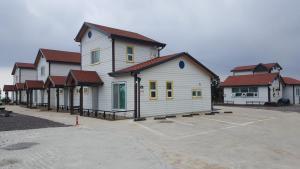 Mandorong House