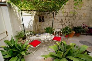 Apartment Mirjana