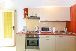 Apartments Jadranka 1705, Апартаменты  Каштела - big - 13