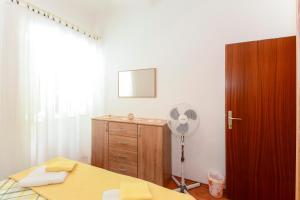 Apartments Jadranka 1705, Апартаменты  Каштела - big - 15