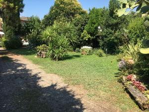 Il Giardino di Armida, Bed and breakfasts  Salerno - big - 40