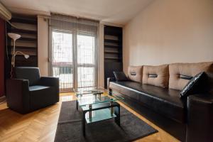 Apartment Sat II