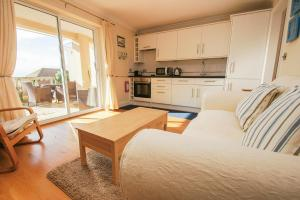 Roedean Crescent, Apartments  Brighton & Hove - big - 2