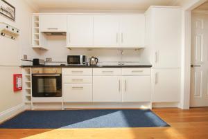 Roedean Crescent, Apartments  Brighton & Hove - big - 8