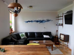 Öxl Guesthouse, Country houses  Búðir - big - 20