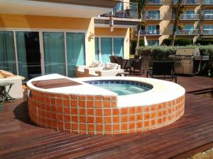 Garden Delight Two-bedroom condo - E125-2, Apartmány  Palm-Eagle Beach - big - 3