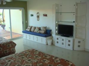 Garden Delight Two-bedroom condo - E125-2, Apartmány  Palm-Eagle Beach - big - 14
