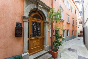 Guest House Floreus Cres