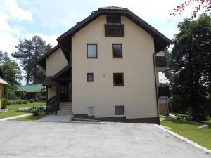 Apartment Mladenovic, Apartmanok  Zlatibor - big - 23