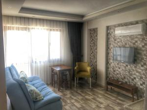 Dardonos House