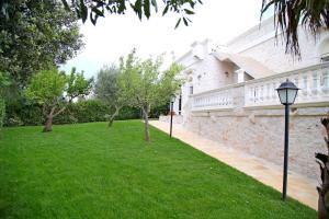 Villa Angelina, Ferienwohnungen  Selva di Fasano - big - 45