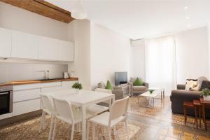 LetsGo Vila Gracia Apartment