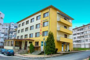 Family Hotel Varbitsa