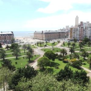 Vista Plaza Colón y Mar, Apartmány  Mar del Plata - big - 3