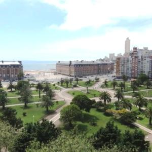 Vista Plaza Colón y Mar, Apartmány  Mar del Plata - big - 5