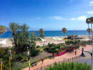 Apartment Front Line Estepona Beach