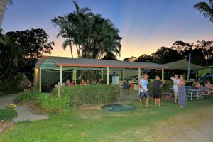 Poona Palms Caravan Park