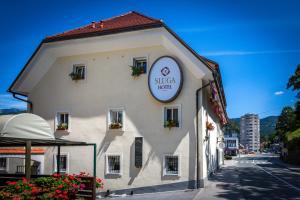 Hotel Sluga - Tržič