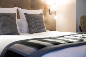 Best Western Plus Hôtel Le Rive Droite & SPA - Hotel - Lourdes