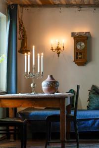 Bumbiermuiža-candlelight house