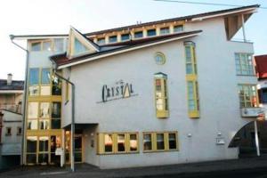 (Hotel Crystal)