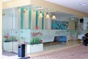 ZEN Rooms Pasar Ikan Losari, Hotely  Makassar - big - 15