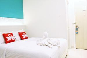 ZEN Rooms Pasar Ikan Losari, Hotely  Makassar - big - 10