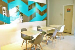 ZEN Rooms Pasar Ikan Losari, Hotely  Makassar - big - 19
