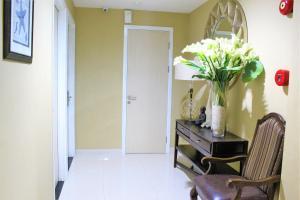 ZEN Rooms Pasar Ikan Losari, Hotely  Makassar - big - 22