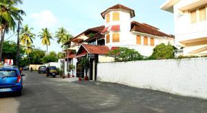 QiK Stay @ Fort Kochi Beach Inn