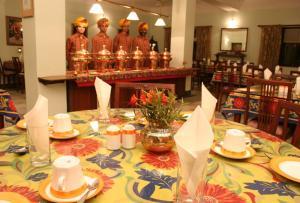 QiK Stay@ Hotel Karni Bhawan