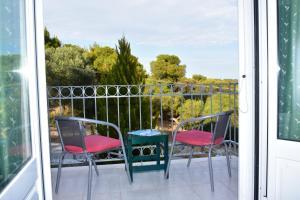 Pelagos Studios, Aparthotely  Agia Marina Aegina - big - 17