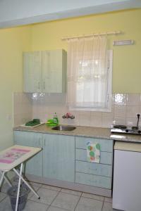 Pelagos Studios, Aparthotely  Agia Marina Aegina - big - 11