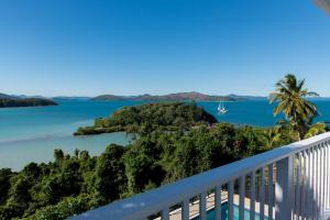Villa Whitsunday - Waterfront Retreat
